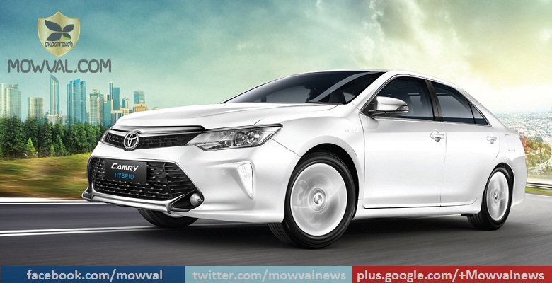 2017 Toyota Camry Hybrid Launched At Starting Price Of Rs 31.98 Lakh